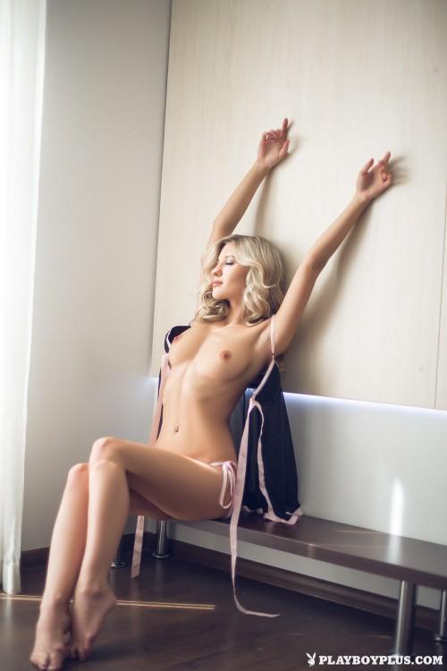 alice-wonderlust-nude15866c5.jpg