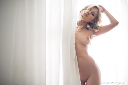 alice-wonderlust-nude33fdaaf.jpg