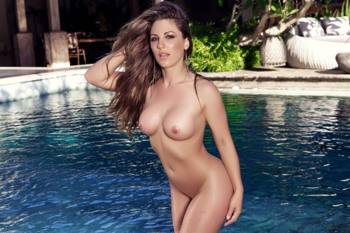 sarah-louise-hot-splash-nude2717069.jpg